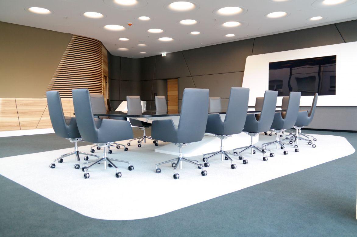 fertigstellung des sap meetingraums. Black Bedroom Furniture Sets. Home Design Ideas